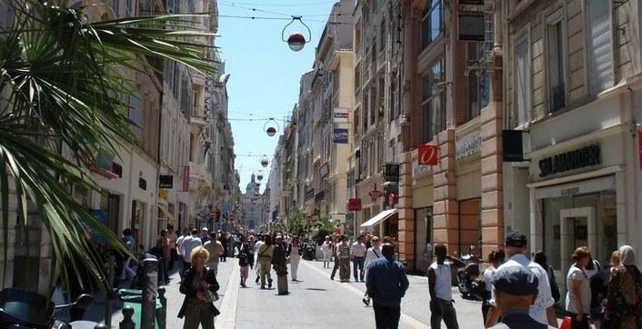 Главная улица Канебьер