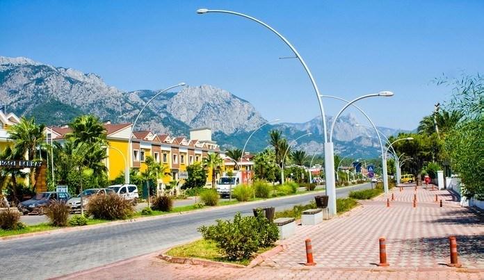 Улица Ататюрка в анталии