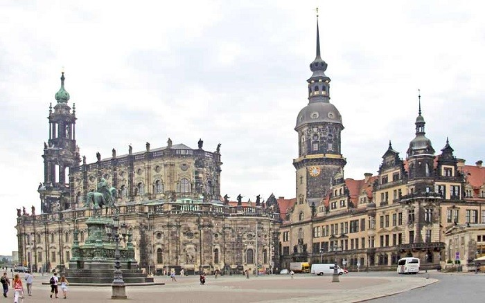hofkirche and dresden residence