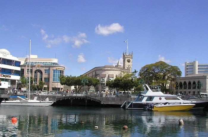 Гавань столичного порта