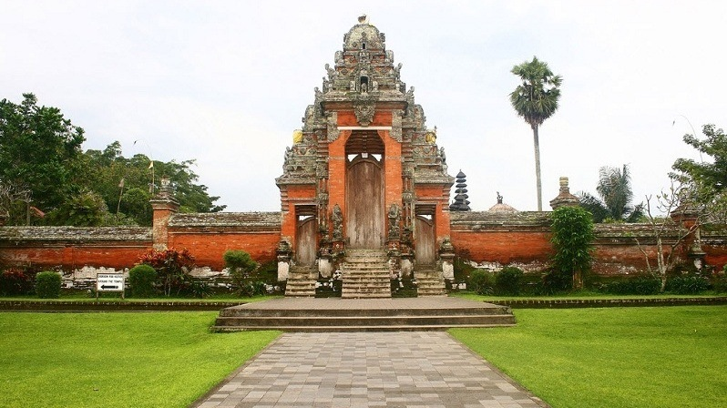Храм Пура Таман Аюн на острове Бали